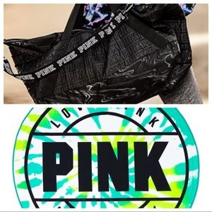 VS Pink duffel and round towel